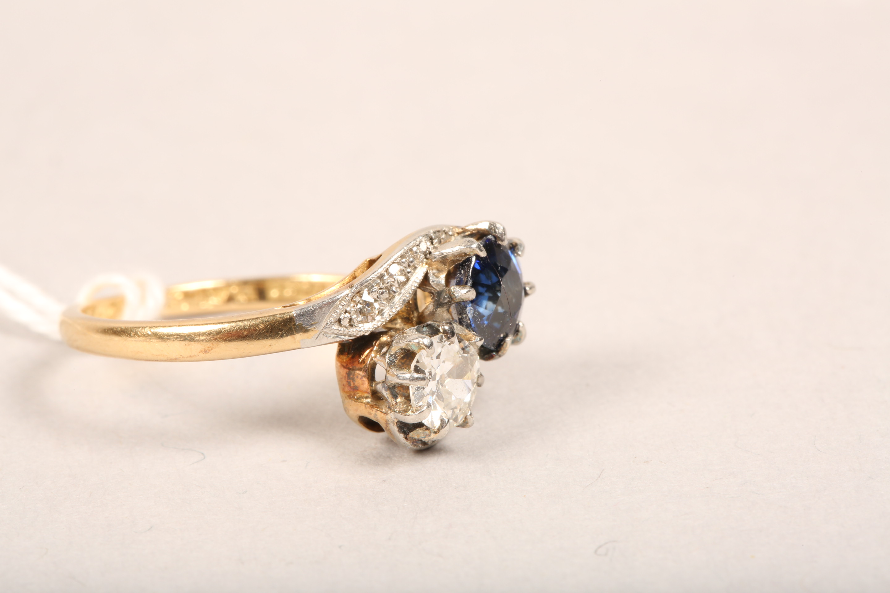 Ladies 18 carat gold diamond and sapphire ring, 0.33 diamond and 0.5 sapphire in twist setting, - Image 8 of 8