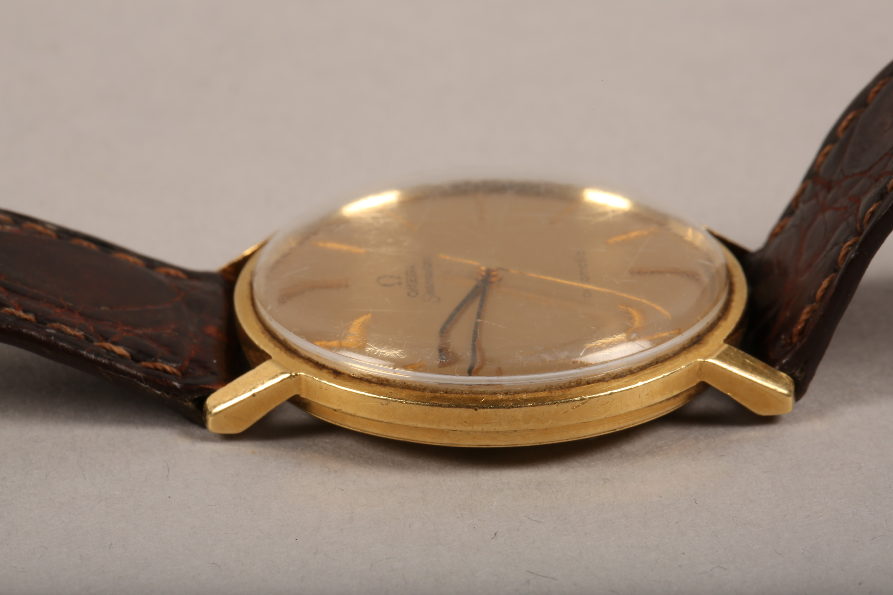 Gents 9 carat gold Omega Seamaster automatic wrist watch, dial with hour markers and sweeping - Image 9 of 10