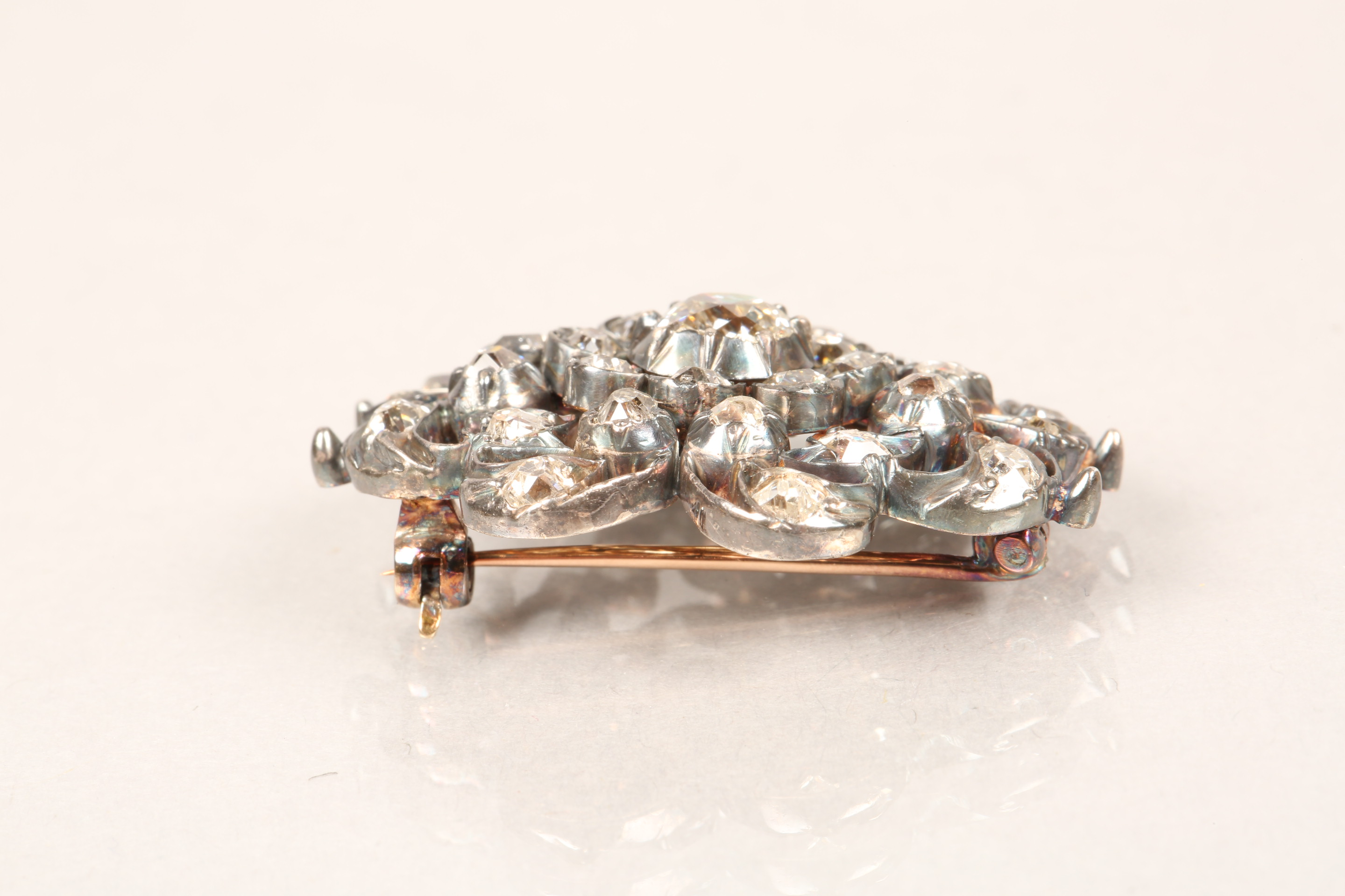 Diamond pierced cluster brooch, thirty one old cut diamonds mounted on heavily tarnished yellow - Image 5 of 7