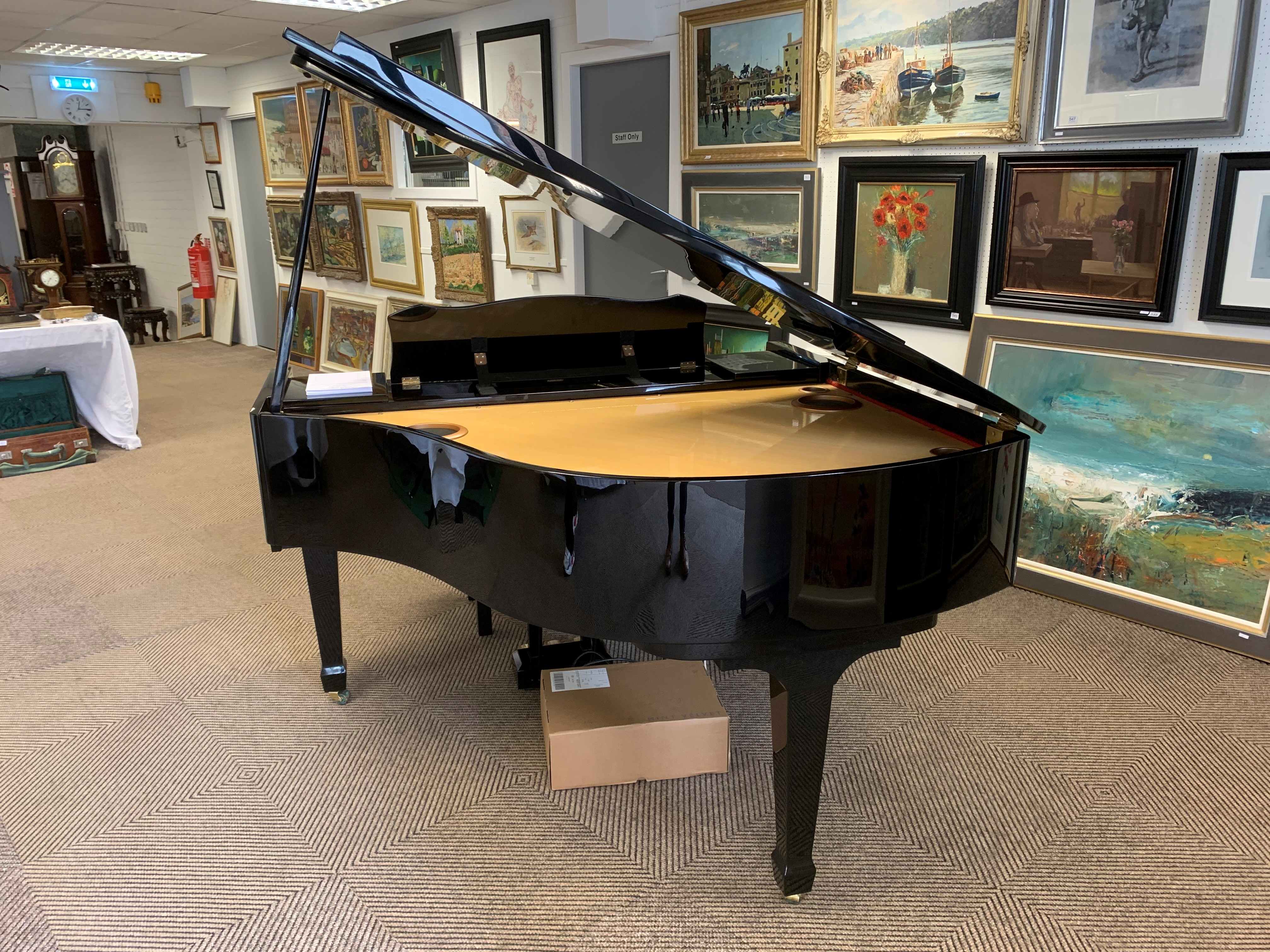 Roland KR117 digital intelligent grand piano, finished in black lacquer. The KR117 intelligent grand - Image 4 of 5