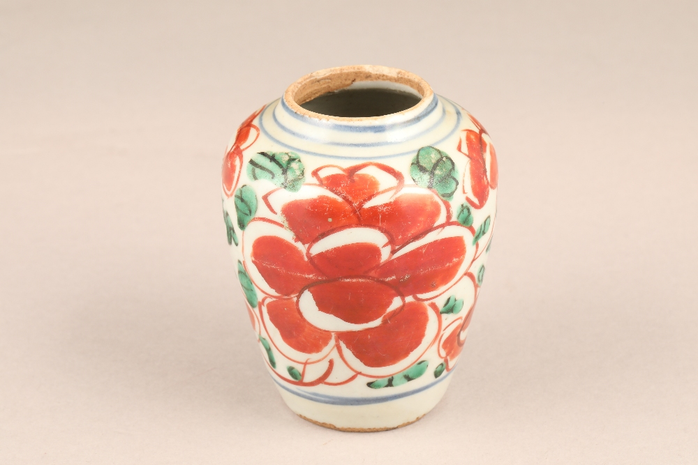 17th century Chinese pottery vase, baluster form, decorated with iron red flowers and green - Image 4 of 5