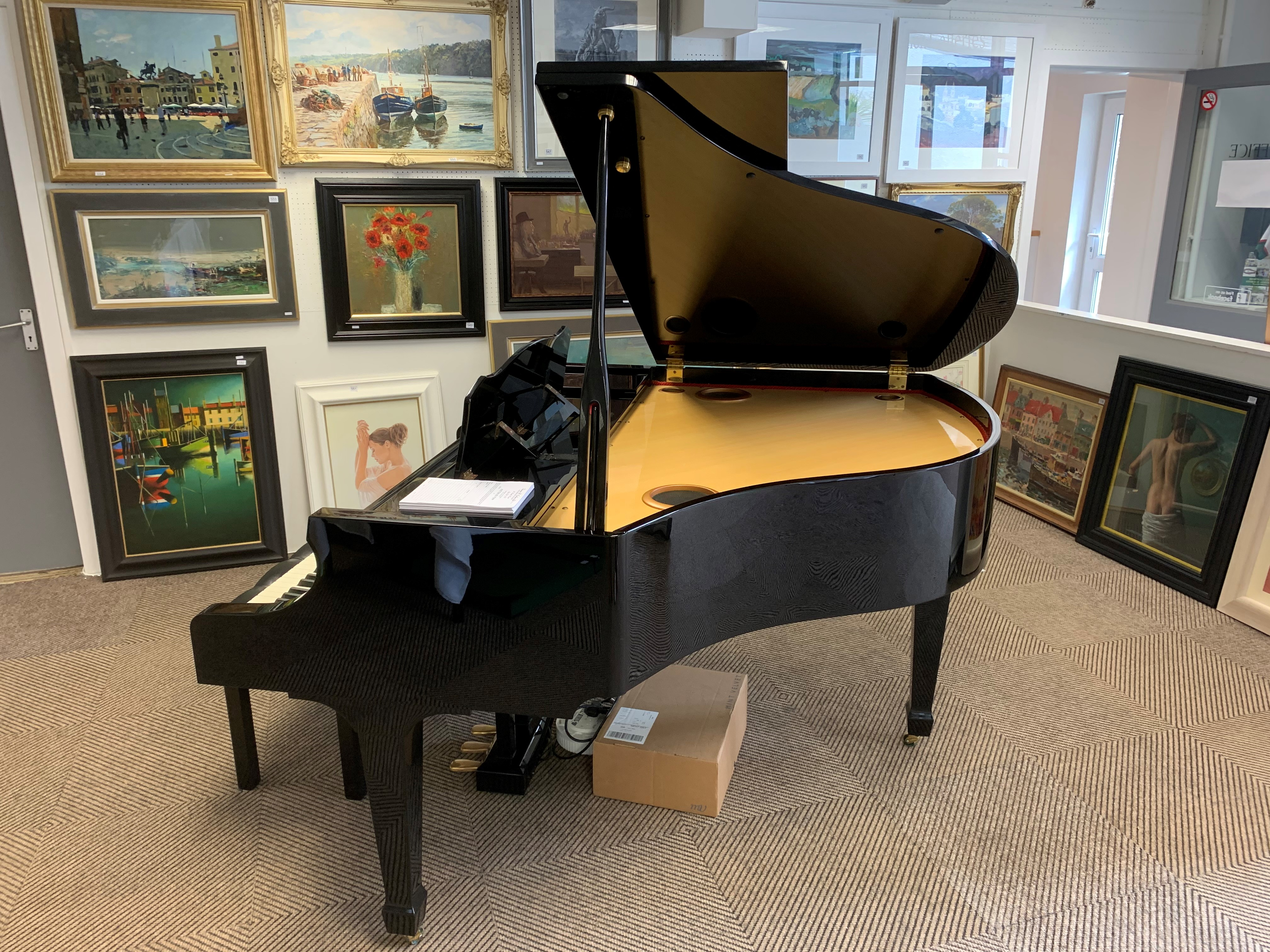 Roland KR117 digital intelligent grand piano, finished in black lacquer. The KR117 intelligent grand - Image 5 of 5
