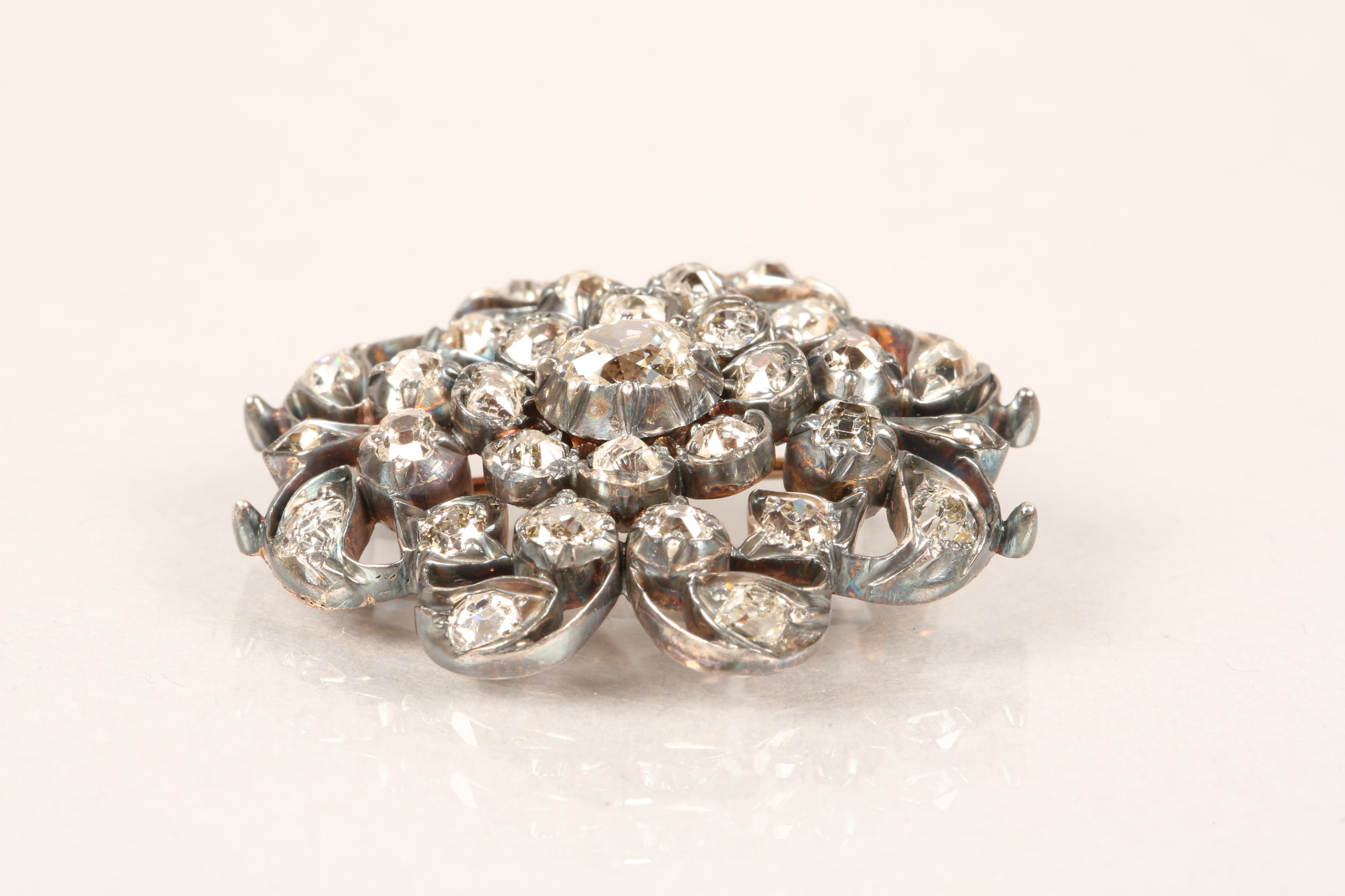 Diamond pierced cluster brooch, thirty one old cut diamonds mounted on heavily tarnished yellow - Image 6 of 7