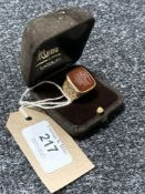 A heavy 9ct gold intaglio signet ring, 11.9g. CONDITION REPORT: In good condition.