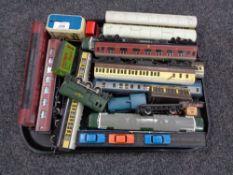 A tray of 00 gauge locomotive engines,