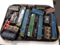 A tray of 00 gauge Hornby and other locomotive engines and rolling stock
