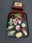 A tray of jewellery boxes, china flower posies,