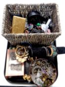 A tray containing a quantity of assorted costume jewellery