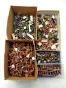 A tray of a large quantity of hand-painted miniature soldiers and figures