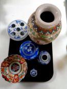 A tray of oriental ceramics to include Satsuma vase, Imari scalloped edge bowl,