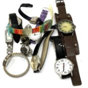 A small quantity of wristwatches
