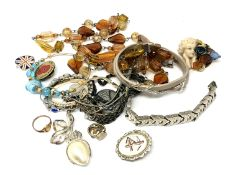 A quantity of costume jewellery, necklace, brooch,