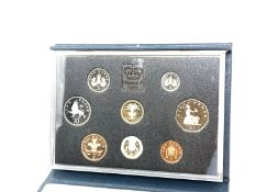 A cased set of Royal Mint 1990 uncirculated coins