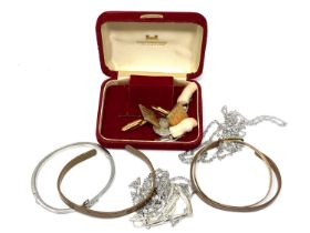 A small quantity of bangles, cuff links,
