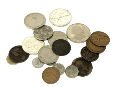 A small quantity of coins, 1976 Jamaica one dollar,