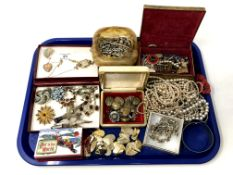 A tray of various costume jewellery.