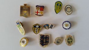 FOOTBALL, Leeds United lapel badges, VG to EX, 12*