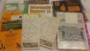 FOOTBALL, Hereford Town home (13) & away programmes, 1970s, inc. v Rugby Town 1969/70 FAC, Reading