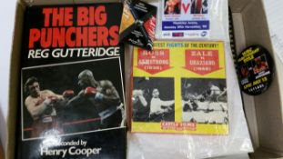 BOXING, selection, inc. Ultimate Encyclopaedia of Boxing 1996, The Big Punchers 1984 (signed by