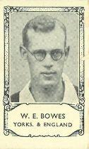 BARRATT, cricket, inc. Famous Footballers, booklets, split & singles); Team Folders (Sussex & Fulham