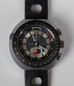 A Sicura Chrono Graphe steel backed gentleman's wristwatch, the signed dial with centre stop