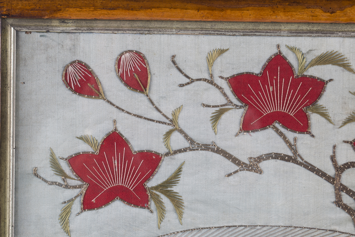 A near pair of late 19th century Japanese silk and metal thread stumpwork panels, both depicting - Image 29 of 31
