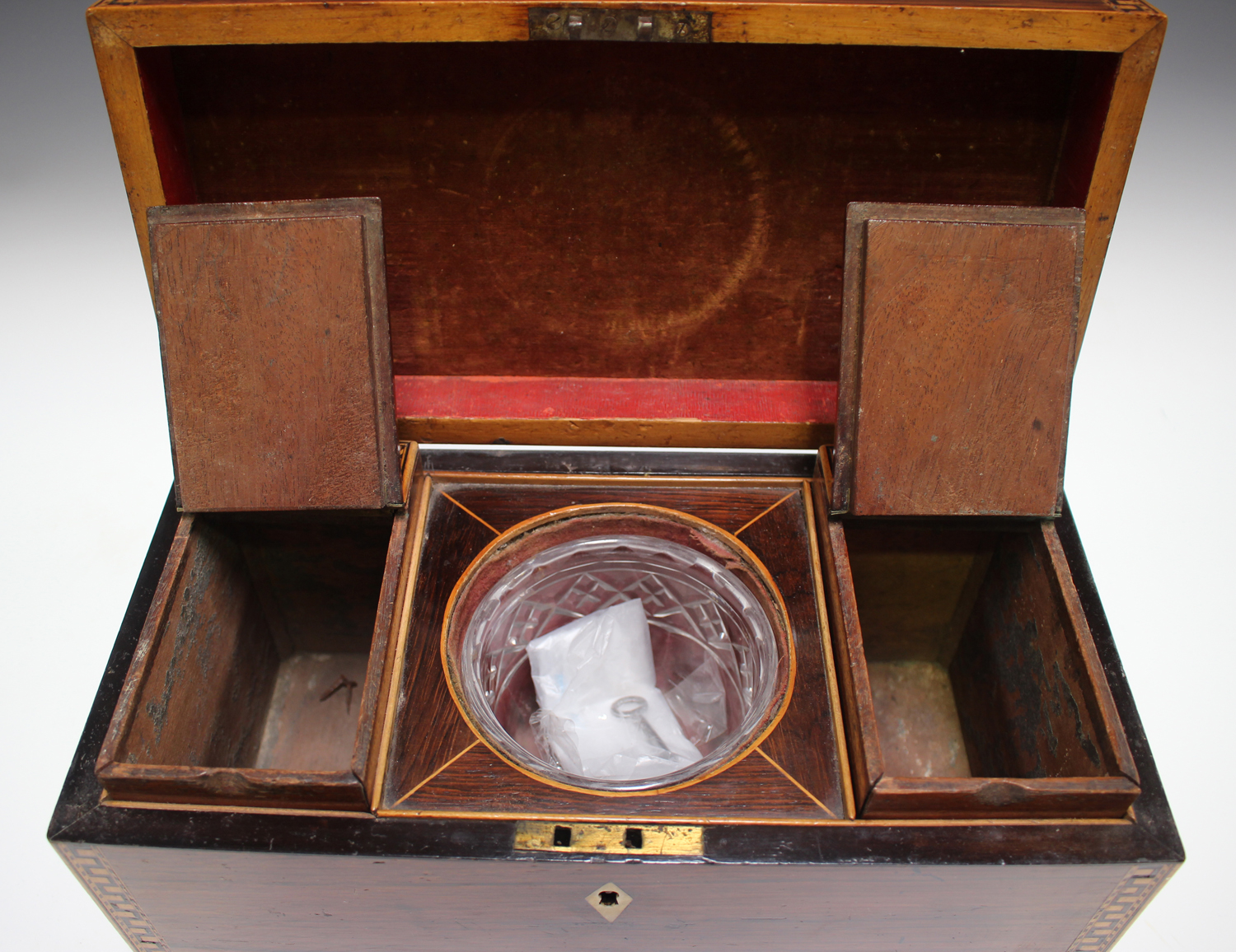 A George III rosewood tea caddy with inlaid running scroll borders and applied gilt metal phoenix - Image 8 of 10