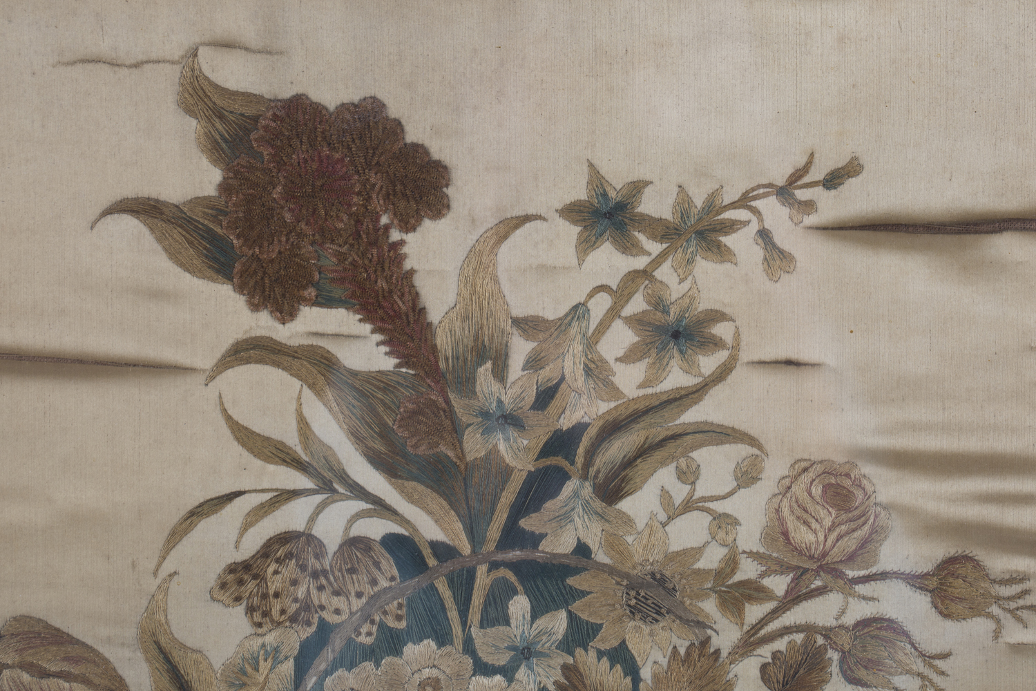 A near pair of late 19th century Japanese silk and metal thread stumpwork panels, both depicting - Image 11 of 31