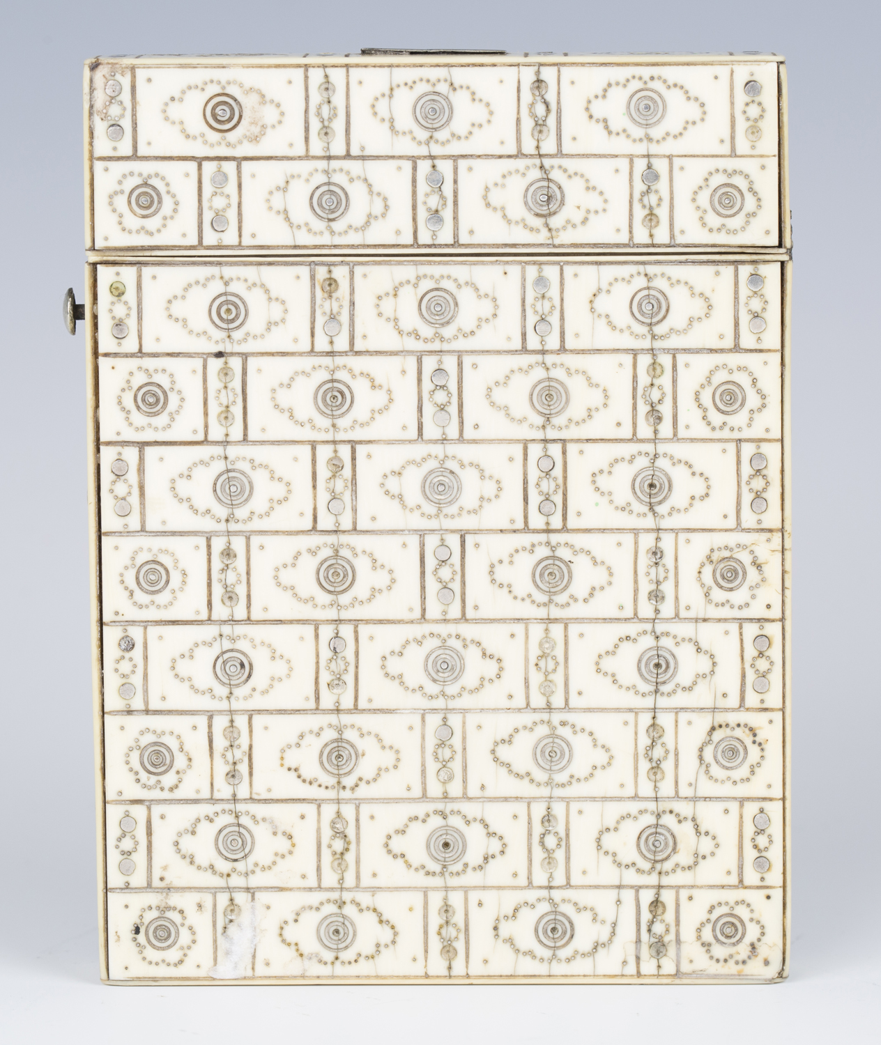 A 19th century ivory and piqué inlaid visiting card case, engraved with an overall brickwork effect, - Image 5 of 5