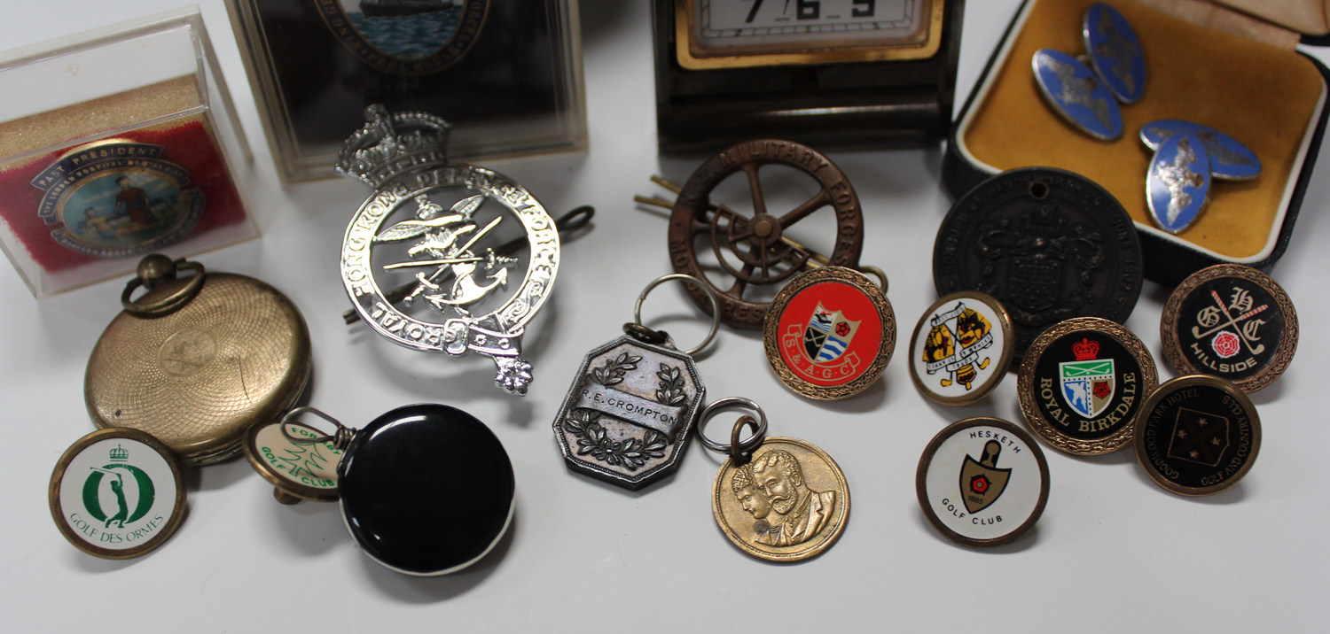 A small group of collectors' items, including a pair of enamelled R.A.F. cufflinks, a 'Peel House - Image 3 of 5