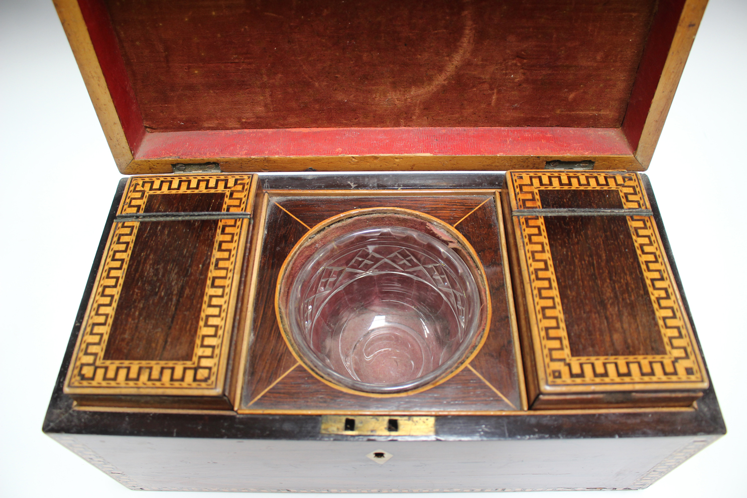 A George III rosewood tea caddy with inlaid running scroll borders and applied gilt metal phoenix - Image 9 of 10