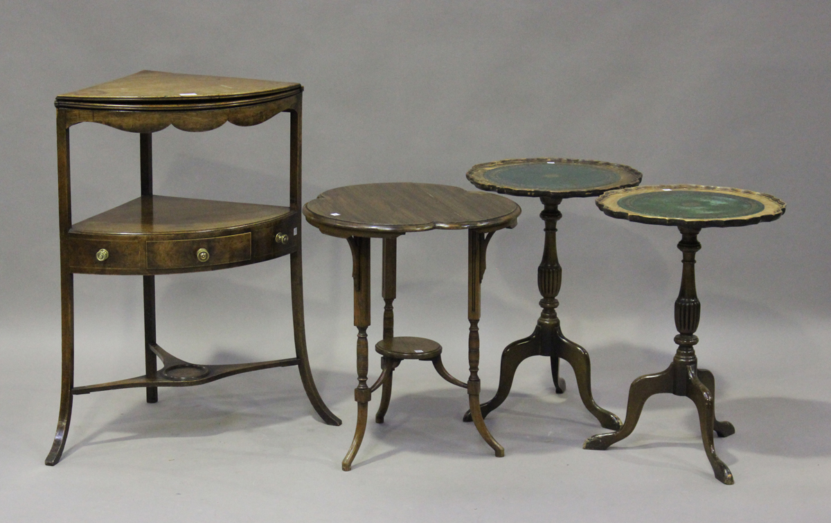 A George III mahogany corner washstand, height 88cm, width 77cm, depth 43cm, together with a pair of