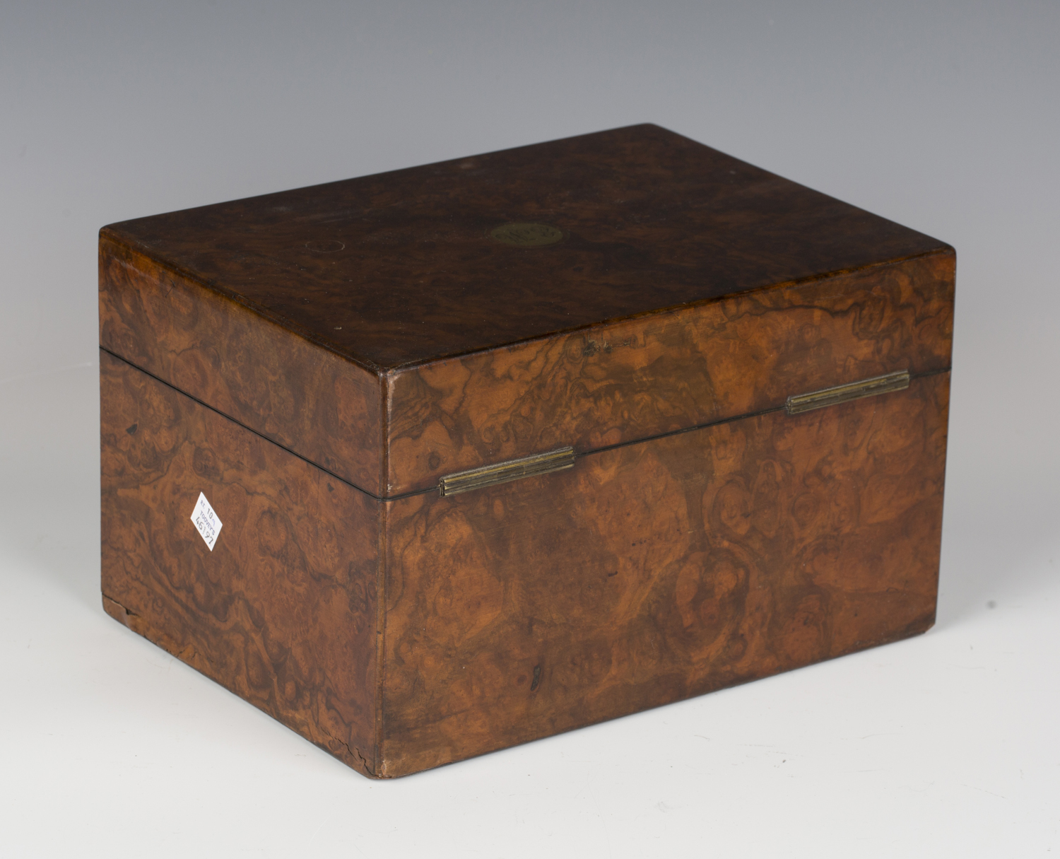 A mid-Victorian burr walnut jewellery box by Farthing & Thornhill, 42 Cornhill, the hinged lid - Image 5 of 5