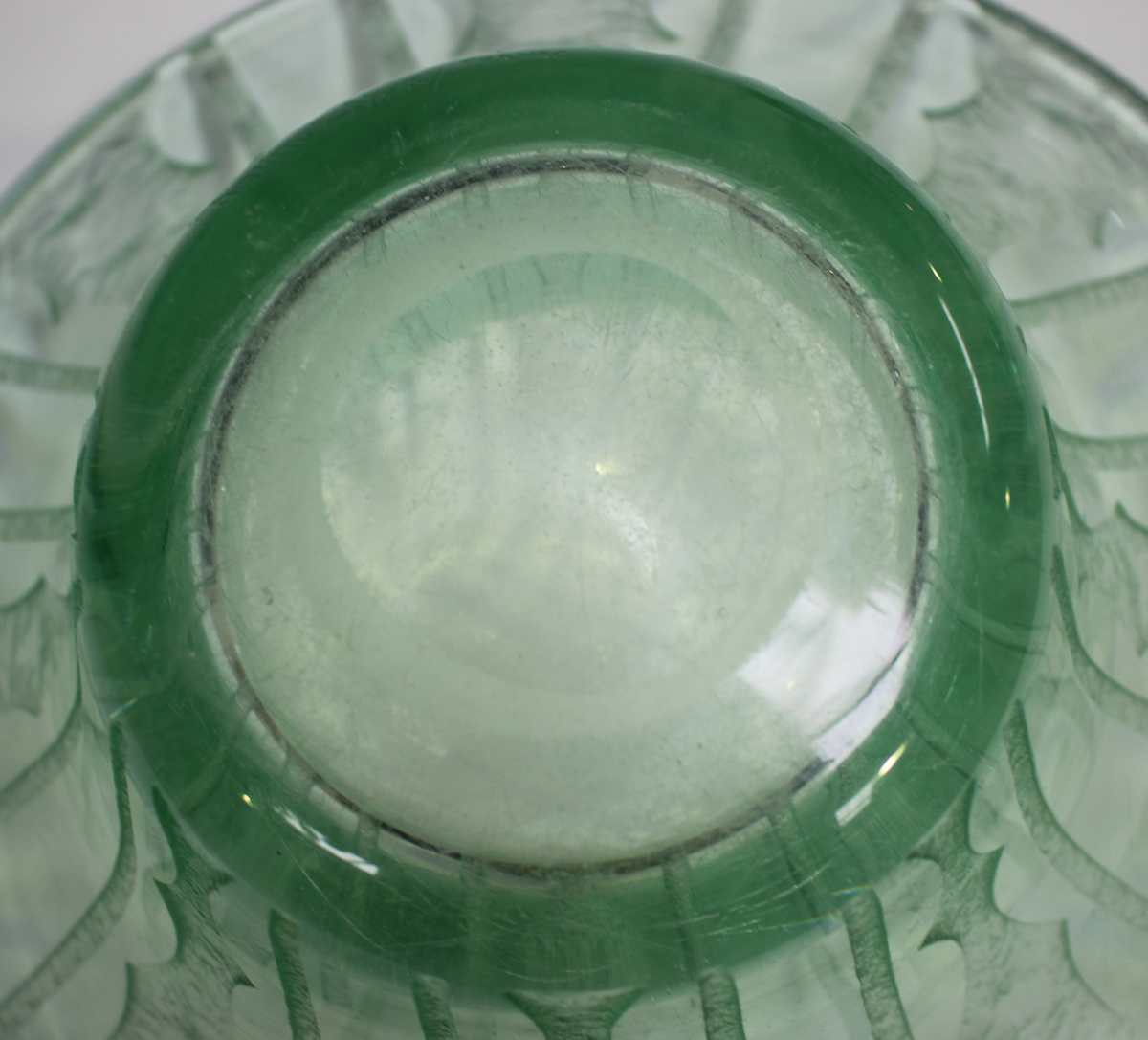 A Daum Nancy pale green tinted wide rimmed bowl, circa 1930, with acid etched geometric - Image 3 of 5