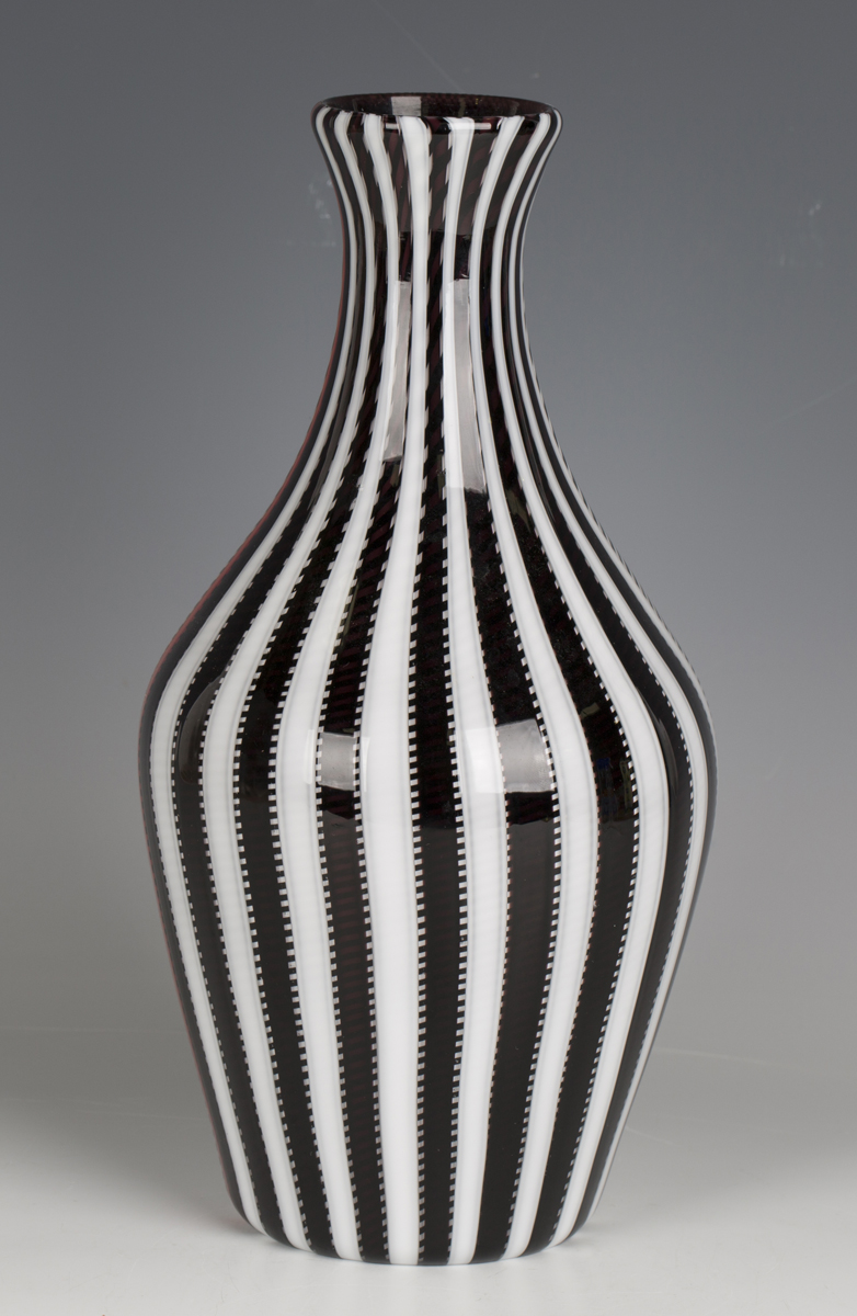 A Gianni Versace for Venini, Murano, smoking glass vase, circa 1998, with black, white and red - Image 5 of 5