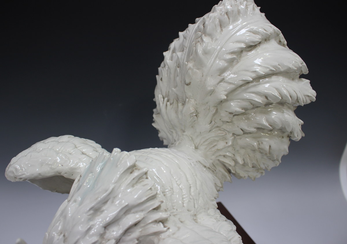 An Italian white glazed pottery cockerel, modelled in a defensive pose, painted 'Italy' to base, - Image 3 of 7