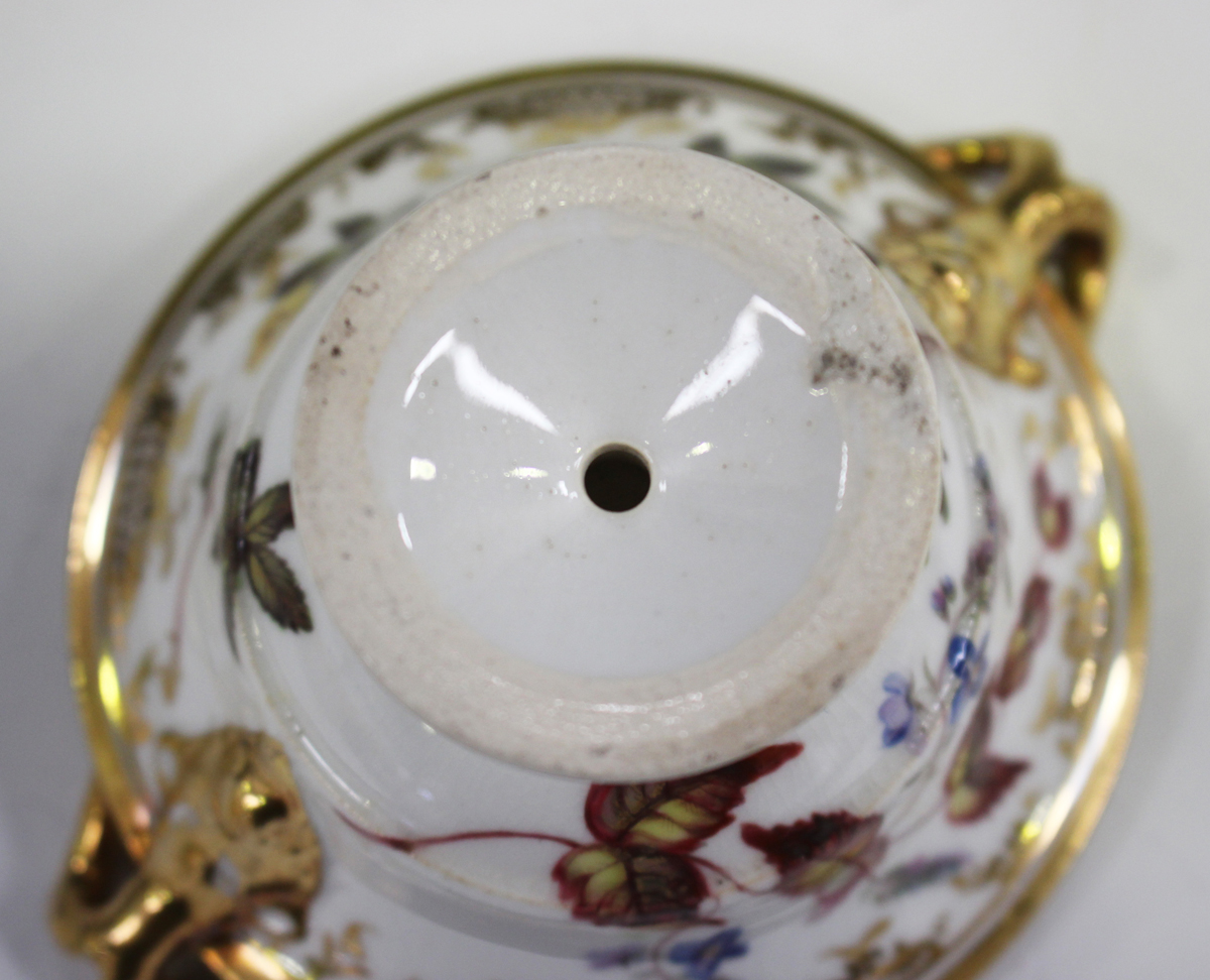 A small English porcelain two-handled footed bowl, probably Spode, early 19th century, of circular - Image 2 of 7