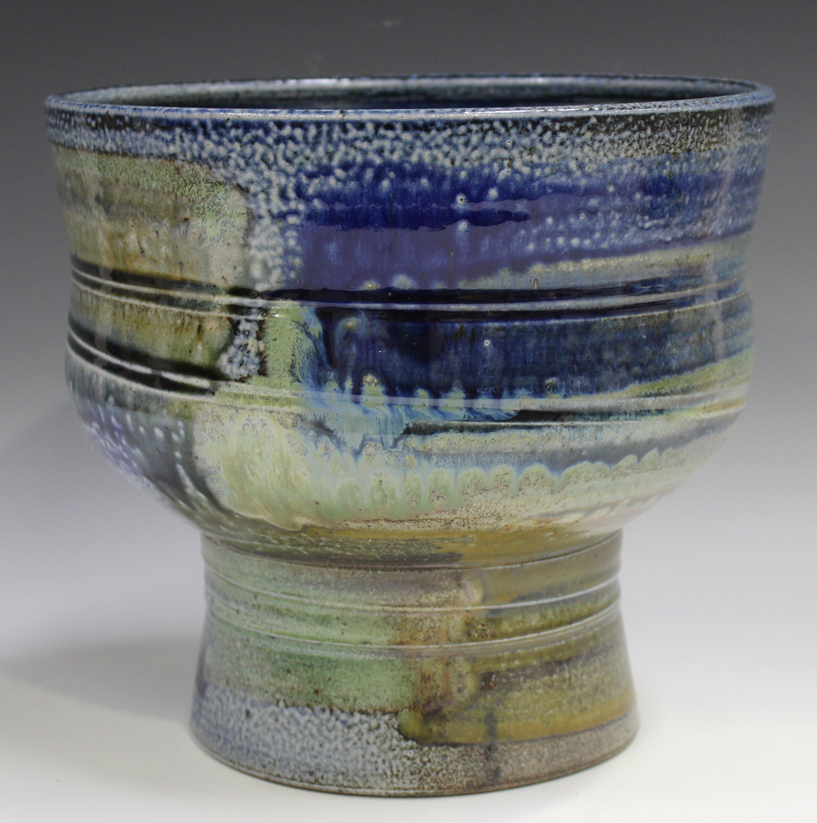 A large Jane Hamlyn studio pottery salt glazed footed bowl, decorated in shades of blue, green and - Image 5 of 7