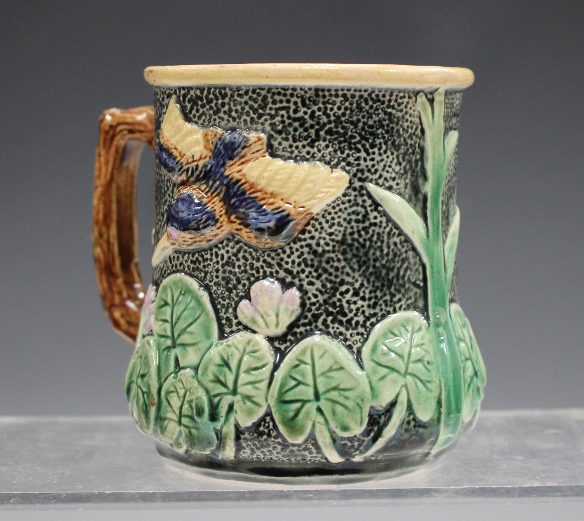 A small group of pottery and porcelain, late 19th and 20th century, including a pair of - Image 7 of 11