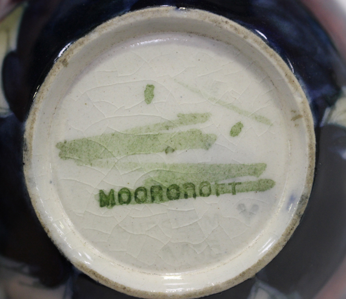 A mixed group of ceramics, mostly tablewares, late 19th/20th century, including a Paragon part - Image 6 of 8