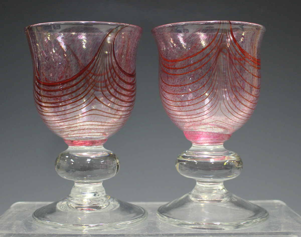 A small group of studio glass, 20th century, including a pair of Elliott goblets with cranberry - Image 5 of 5