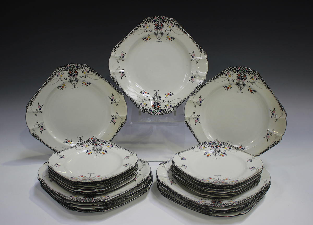 An Art Deco Shelley Queen Anne shape Black Leafy Trees pattern part dinner service, comprising six - Image 5 of 5