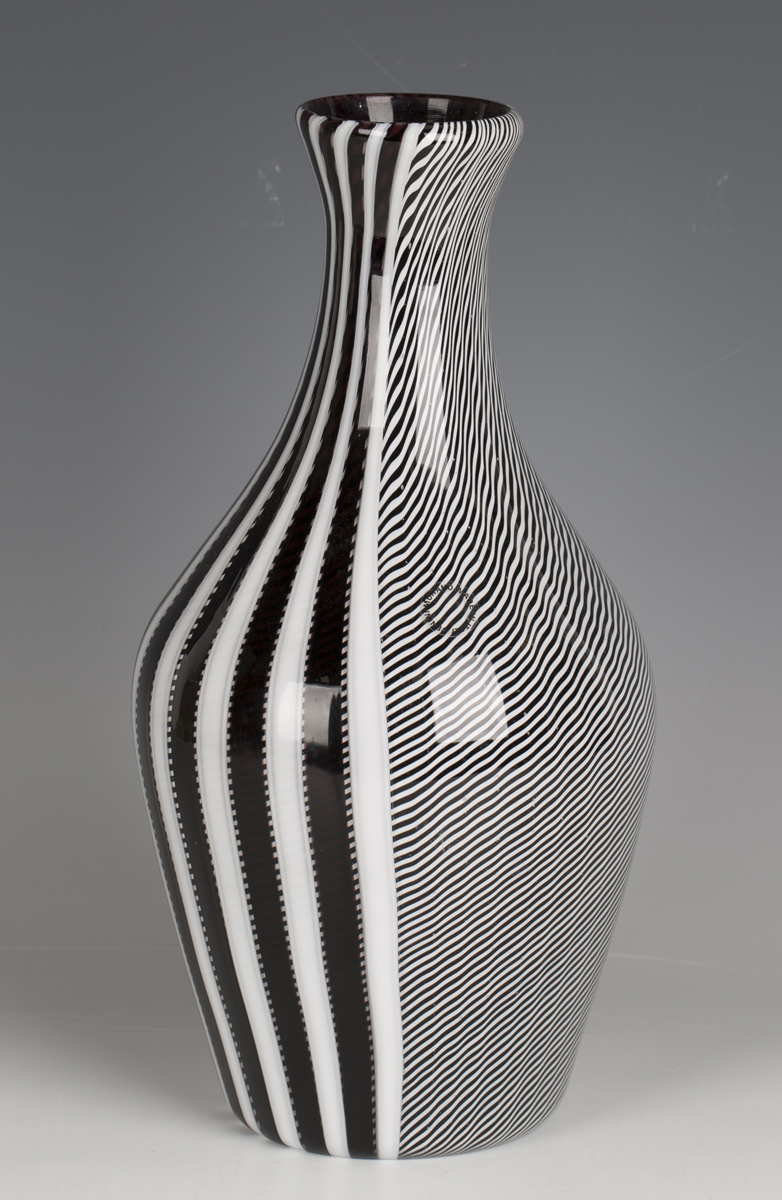A Gianni Versace for Venini, Murano, smoking glass vase, circa 1998, with black, white and red - Image 4 of 5
