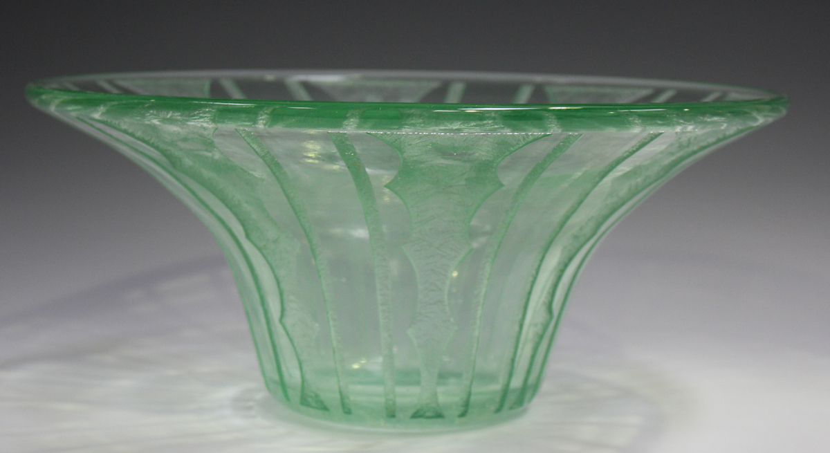 A Daum Nancy pale green tinted wide rimmed bowl, circa 1930, with acid etched geometric - Image 5 of 5