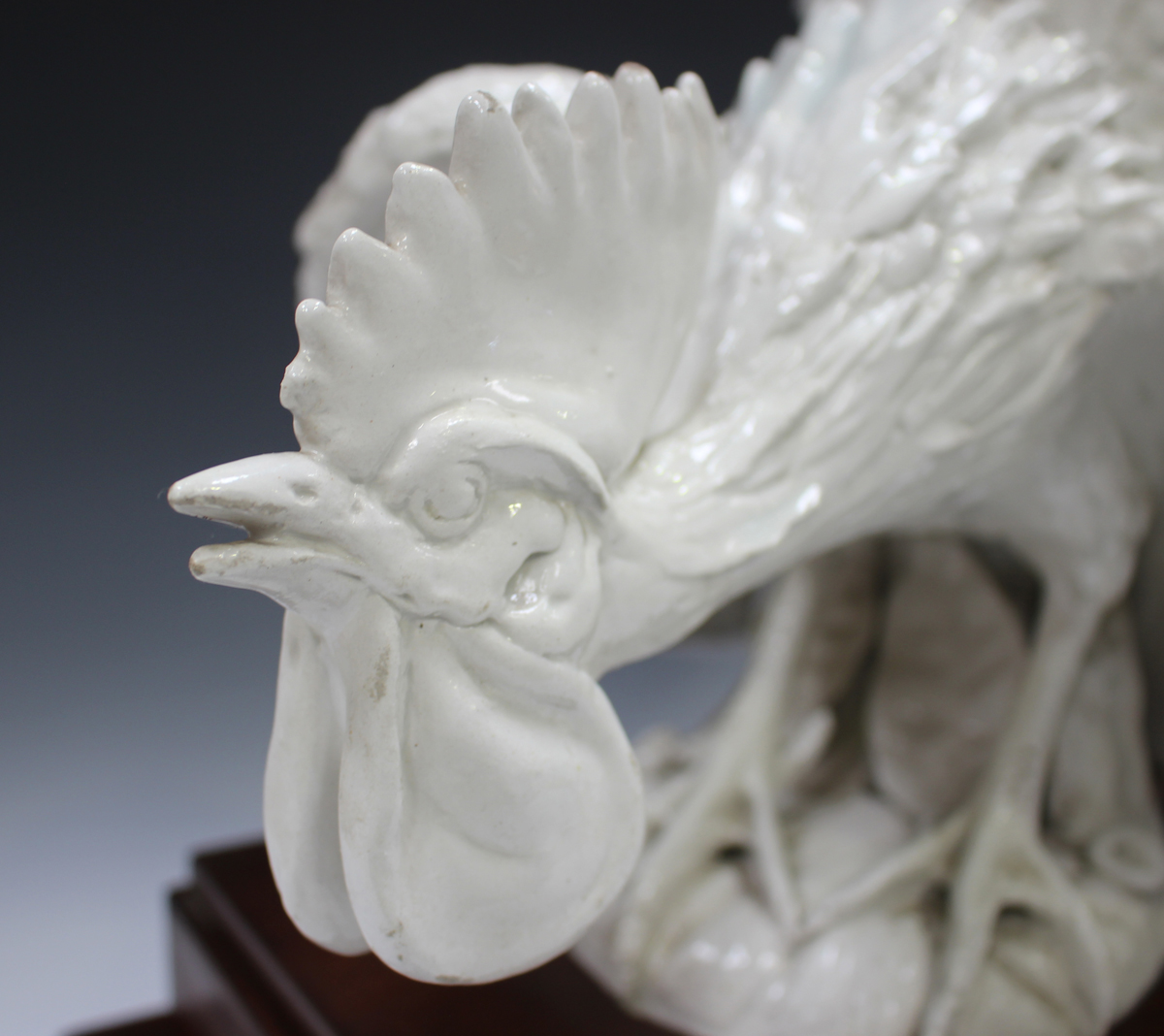 An Italian white glazed pottery cockerel, modelled in a defensive pose, painted 'Italy' to base, - Image 4 of 7