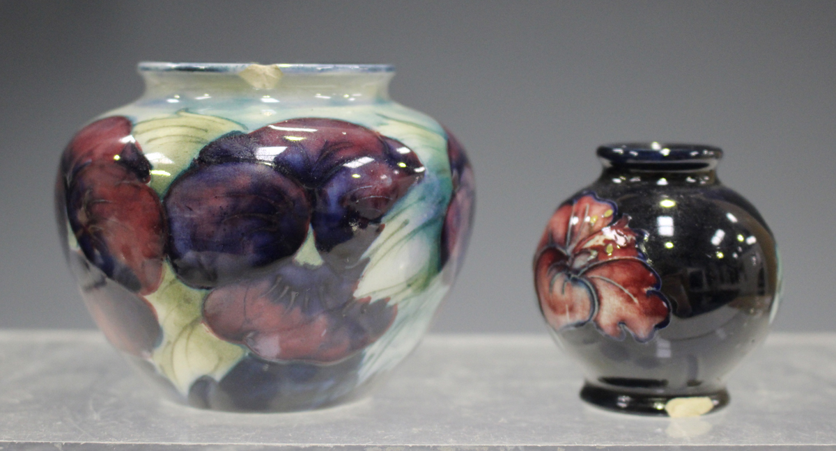 A mixed group of ceramics, mostly tablewares, late 19th/20th century, including a Paragon part - Image 8 of 8