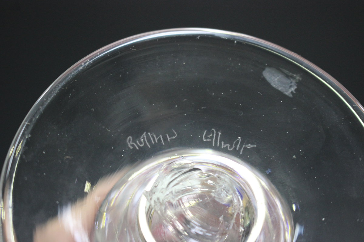 A small group of studio glass, 20th century, including a pair of Elliott goblets with cranberry - Image 4 of 5