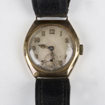 A Crusader 9ct gold cased gentleman's wristwatch, the signed circular jewelled lever movement
