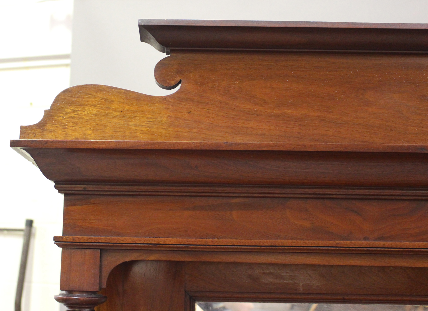 An Edwardian Arts and Crafts mahogany mirror back side cabinet, fitted with two drawers above a - Image 8 of 8