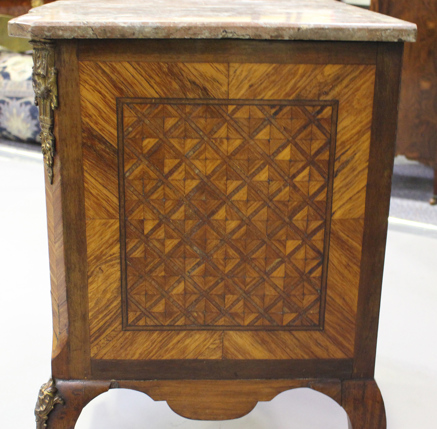 A 19th century French kingwood parquetry veneered side cabinet with rouge marble top and gilt - Image 5 of 10